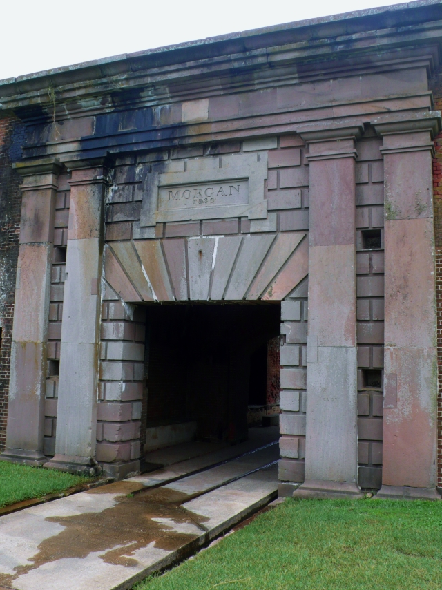 Fort_Morgan_Entrance
